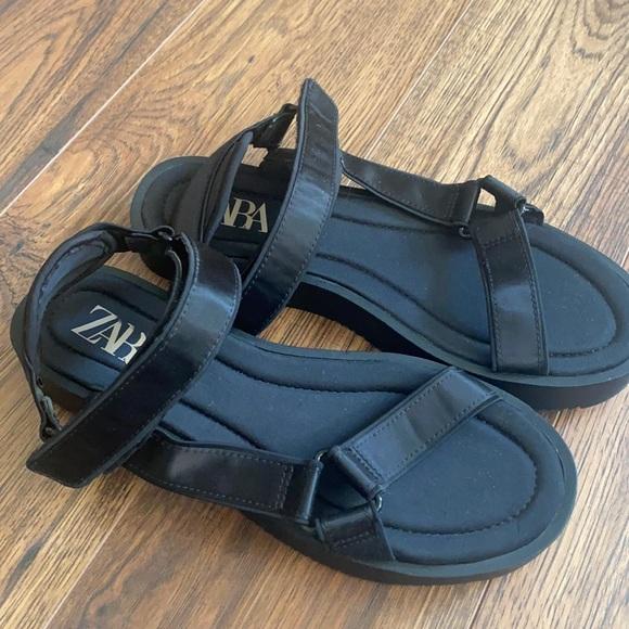 Zara black sandals size 39